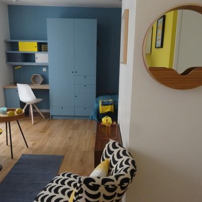 Décoration intérieure studio Lyon bellecour style scandinave bleu, noir et jaune