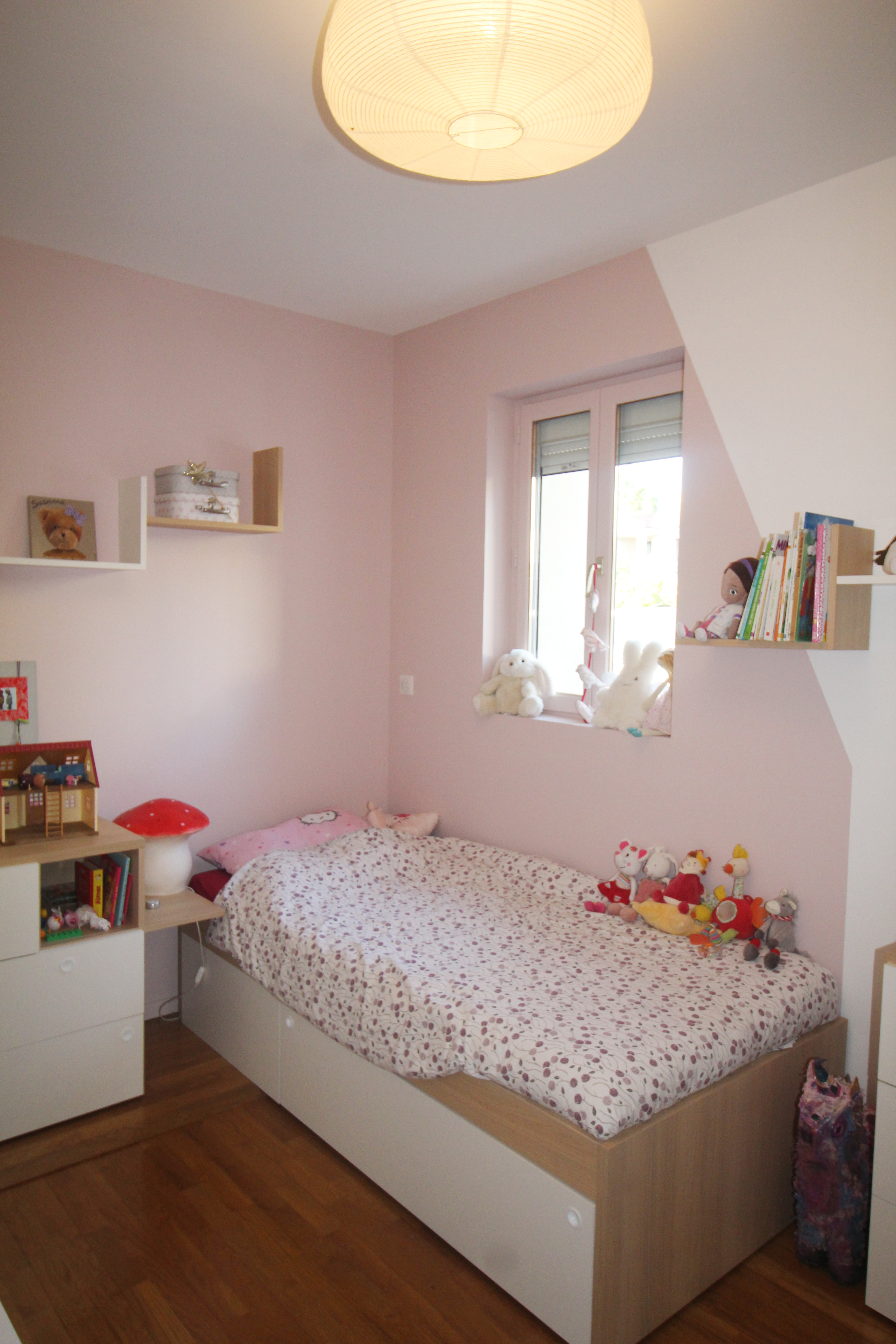 chambre d 39 une petite fille l 39 esprit scandinave vertinea. Black Bedroom Furniture Sets. Home Design Ideas