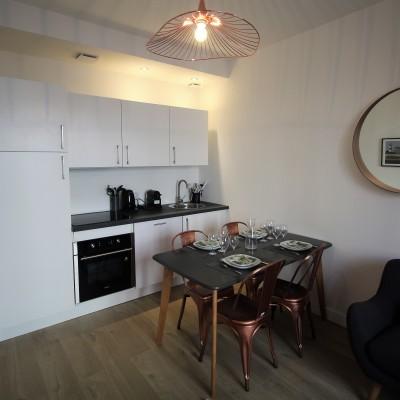 Décoration intérieure, aménagement, rénovation et suivi de chantier appartement Lyon Part-Dieu - Cuisine ouverte et salle à manger scandinave