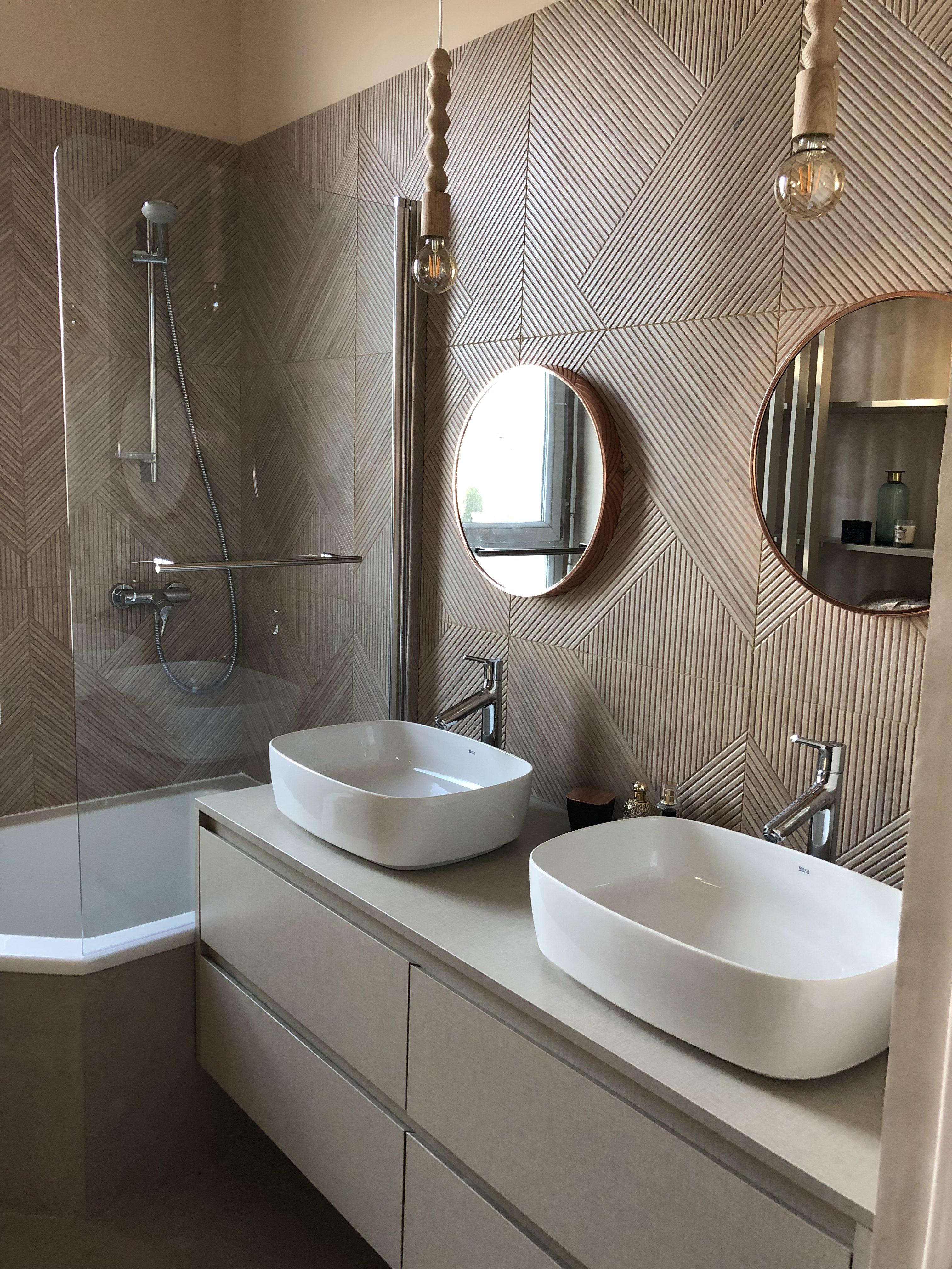 Rénovation d\'une salle de bain dans un style boudoir bohème ...