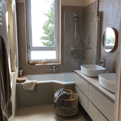 Rénovation d\'une salle de bain dans un style boudoir bohème et ...