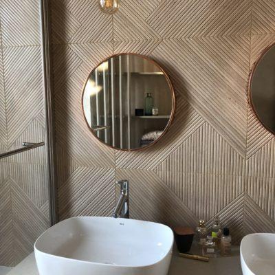 Salle de bain de style bohème nature chic - Décoration intérieure, aménagement et maîtrise d'oeuvre maison Saint Cyr au Mont d'Or - Réalisation agence Vertinea Décoration intérieure Lyon